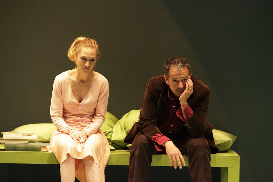 Sara Bertelà e Nicola Pannelli in una scena di «Exit»