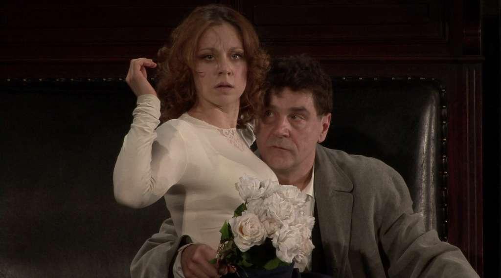 Anna Dubrovskaja e Sergej Makoveckij in una scena di «Zio Vanja»
