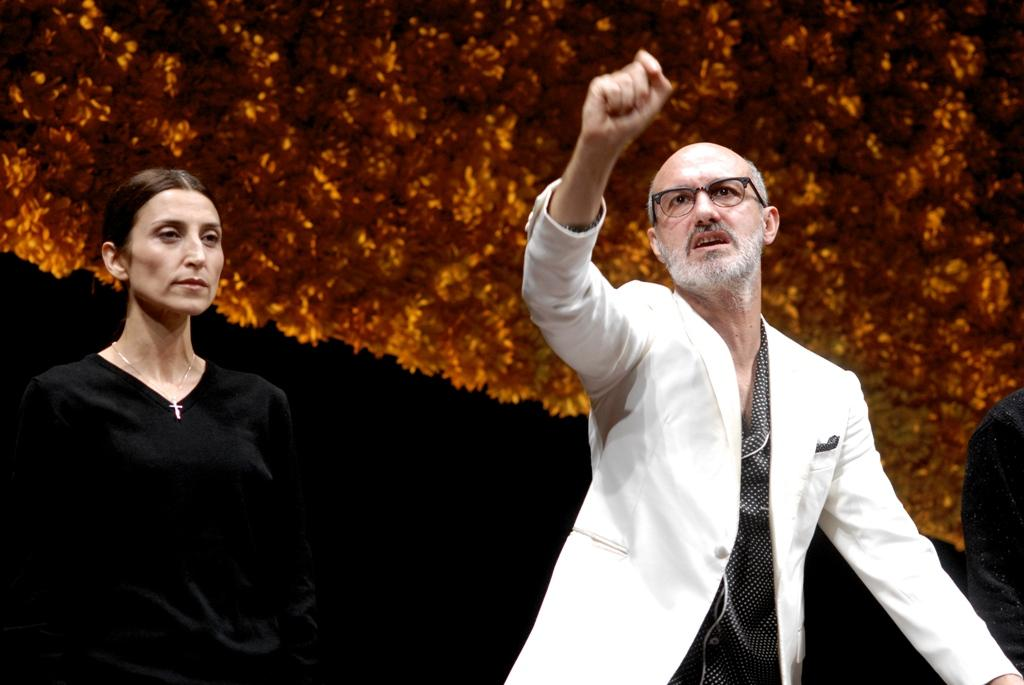 Monica Piseddu (Concetta) e Francesco Manetti (Eduardo/Luca Cupiello) in una scena di «Natale in casa Cupiello»