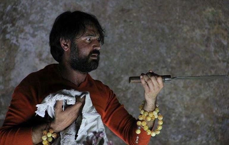 Mimmo Borrelli in un momento di «Malacrescita», dato al Piccolo di Milano