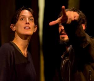 Anna Bellato e Leonardo Maddalena in una scena de «Gli uccelli migratori» (foto di Manuela Giusto)