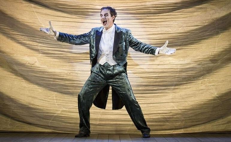 Giampiero Ingrassia è il «Maestro delle Cerimonie» (le foto che illustrano l'articolo sono di Giulia Marangoni)