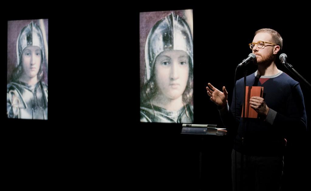 Marco Menegoni in un momento di «Rivelazione. Sette meditazioni intorno a Giorgione» (le foto dello spettacolo e di Simone Derai sono di