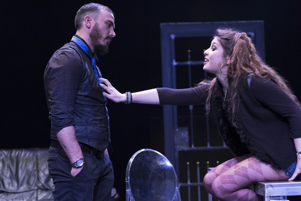 Francesco Di Leva e Lucienne Perreca in un'altra scena dello spettacolo