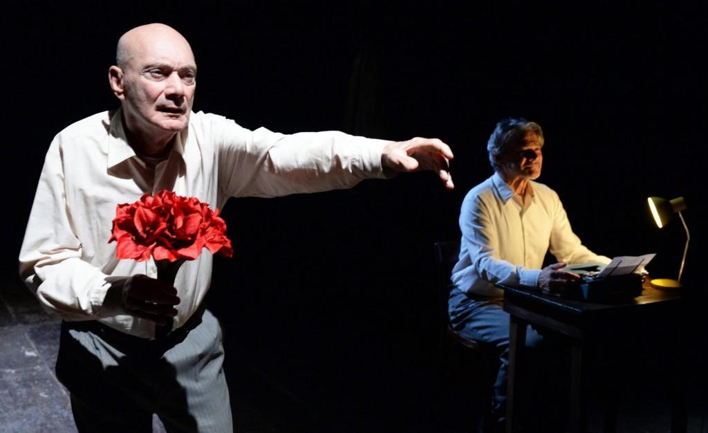 Un altro momento dello spettacolo, in scena all'India, presentato dal Teatro di Roma, fino a domenica