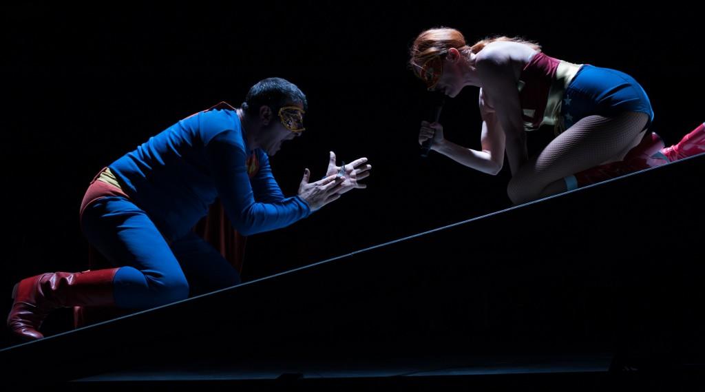 Fulvio Cauteruccio e Valentina Banci in un momento di «Quartett», in scena al Fabbrichino di Prato (le foto dello spettacolo sono di Duccio Burberi)
