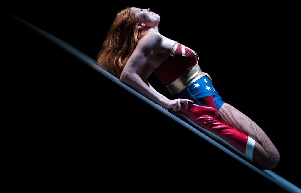 Valentina Banci in un'altra scena di «Quartett», al Fabbrichino di Prato fino a domenica