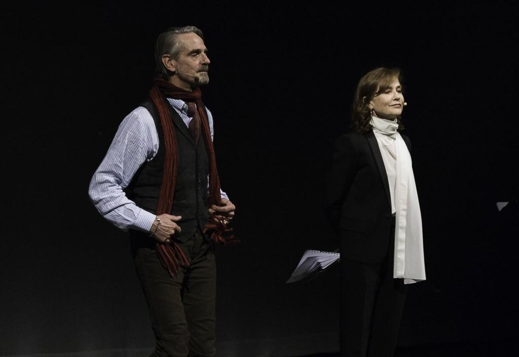 Jeremy Irons e Isabelle Huppert durante la cerimonia di consegna del Premio Europa per il Teatro (le foto che illustrano l'articolo sono di Franco Bonfiglio)