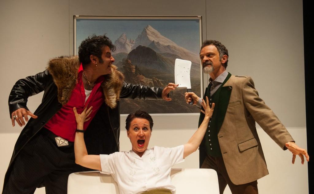 Da sinistra, Fulvio Cauteruccio, Antonella Questa e Ciro Masella in un momento di «Alpenstock» (le foto che illustrano l'articolo sono di Stefano Cantini)