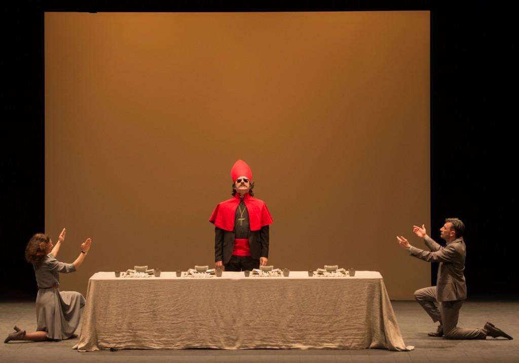 Da sinistra, Monica Demuru, Alberto Astorri e  Aldo Ottobrino in un momento di «Belve» (foto di Duccio Burberi)