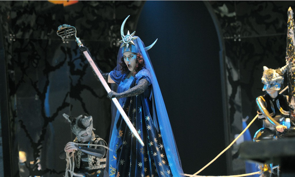 Sara Blanch in un altro momento de «Il flauto magico» allestito da Mariano Bauduin