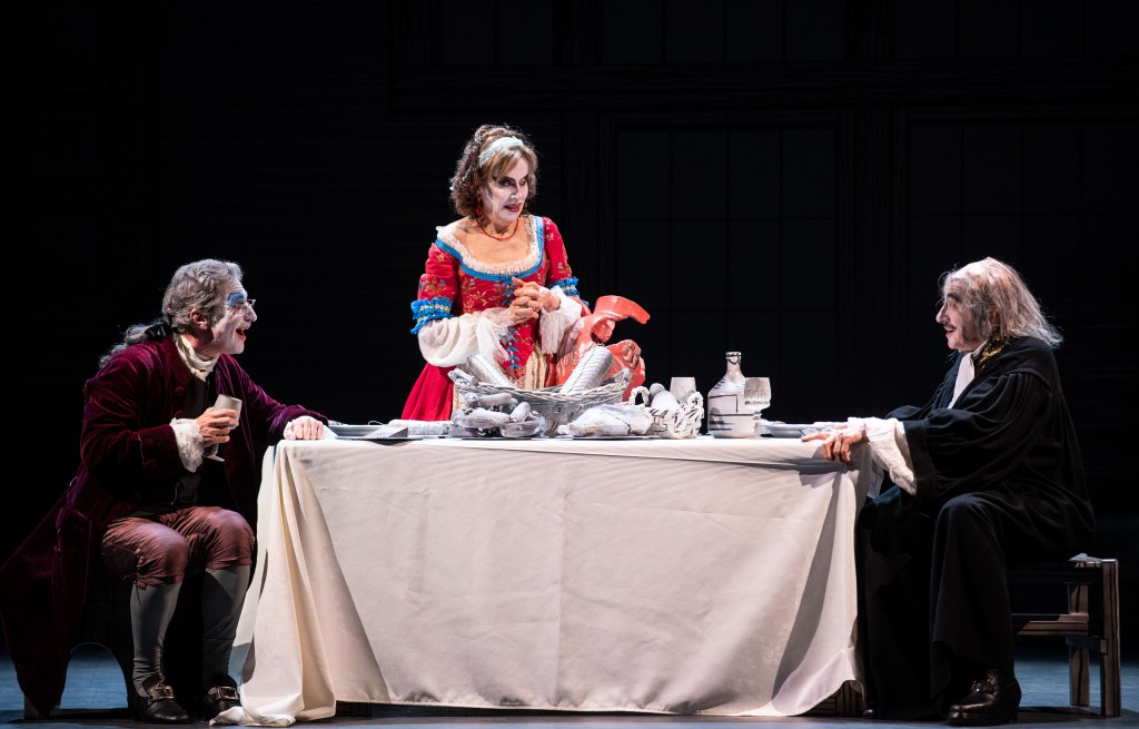 Da sinistra, Andrea Renzi, Anna Teresa Rossini e Mariano Rigillo in un altro momento dello spettacolo