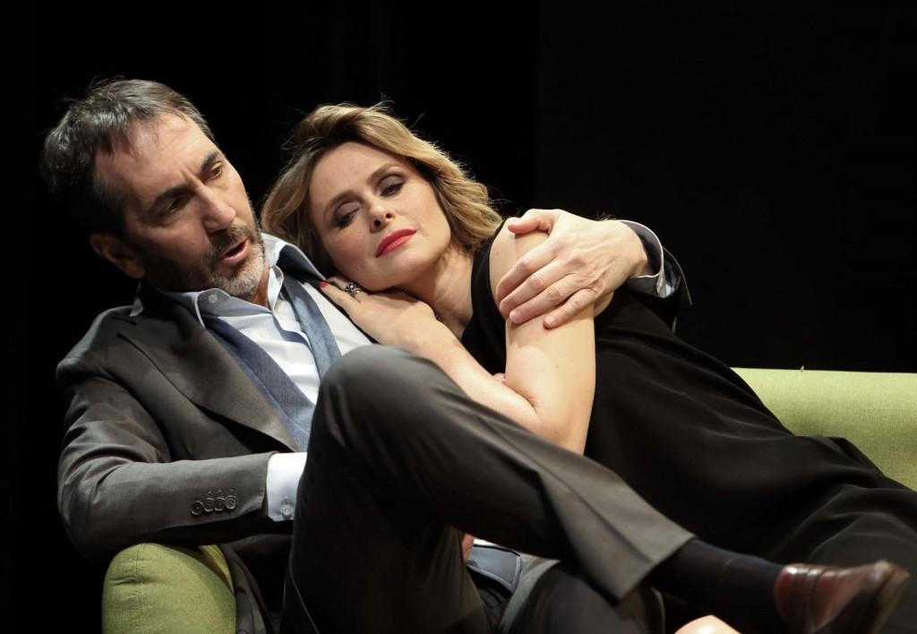Serena Autieri e Paolo Calabresi in un momento de «La menzogna» (la foto è di Fabio Lovino)