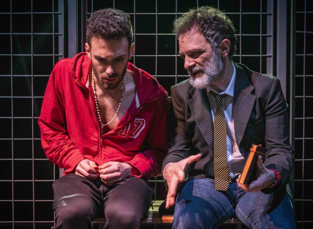 Da sinistra, Samuele Picchi e Ciro Masella in un altro momento dello spettacolo