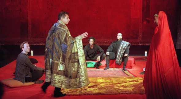 Un momento de «La tragédie d'Hamlet» di Peter Brook