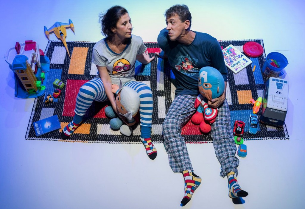 Monica Bauco e Riccardo Naldini in un altro momento dello spettacolo, diretto da Angelo Savelli