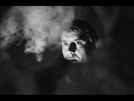 Carmelo Bene in un momento di «Faust e Margherita» (la foto è di Claudio Abate)