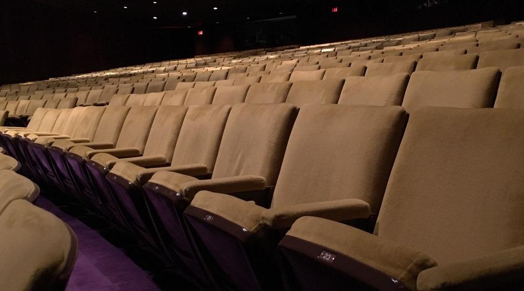 Una delle sale teatrali rimaste vuote in seguito al decreto governativo sul coronavirus